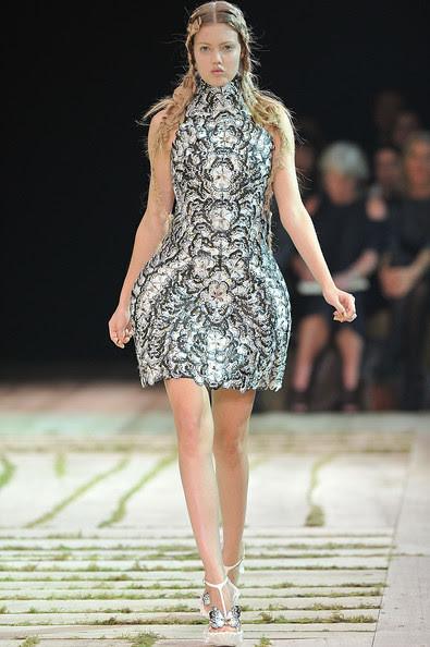Alexander+McQueen+Runway+Paris+Fashion+Week+ZJokqiGbRlTl