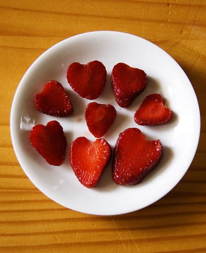 rhubarb strawberry vanilla bean jam - heart berries