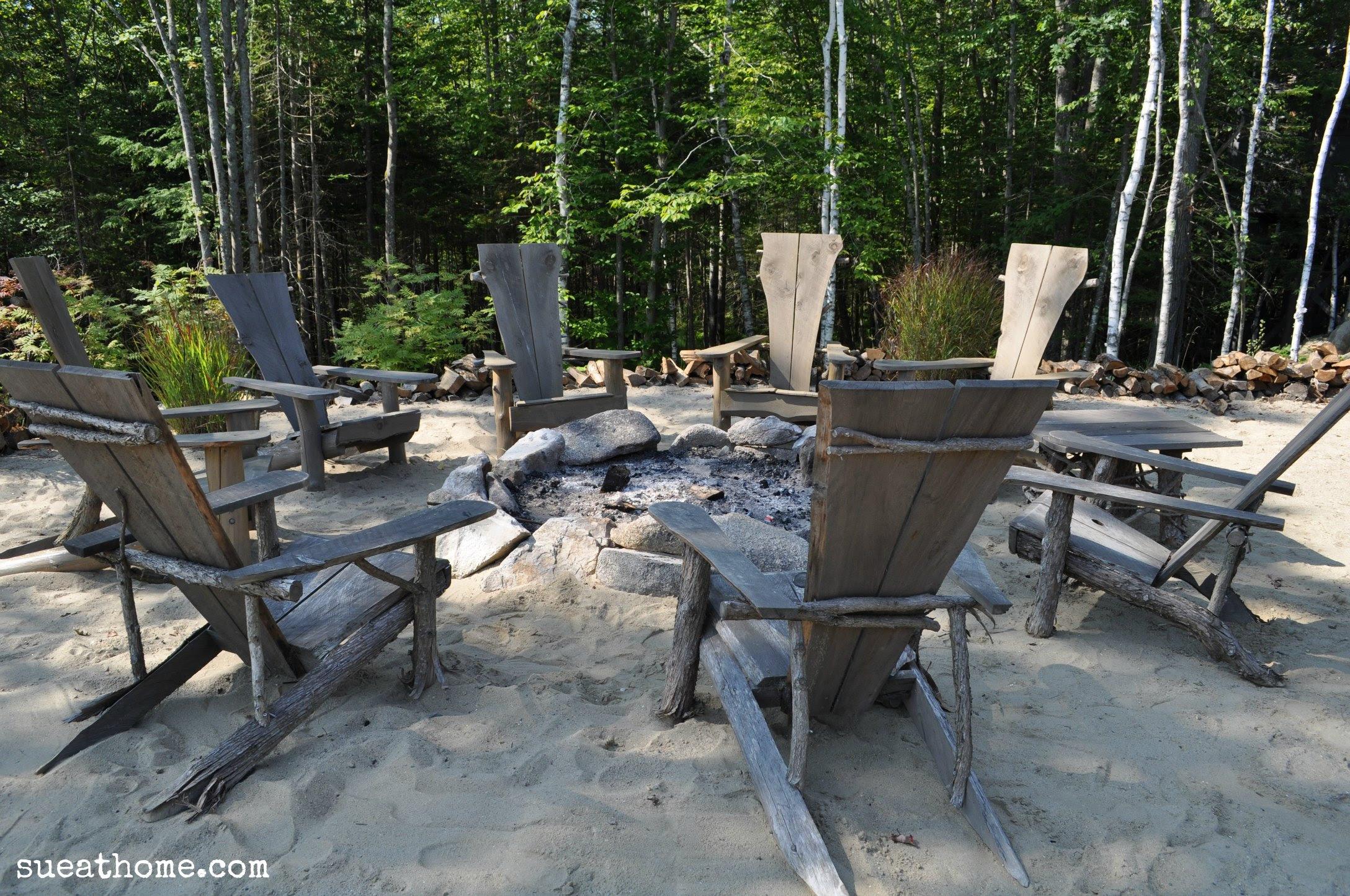 Rustic Outdoor Bar Idea