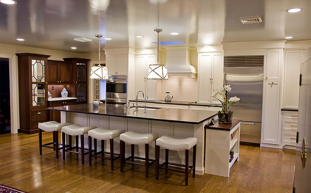 Traditional Home Kitchen | Gathering | Plain & Fancy Cabinetry