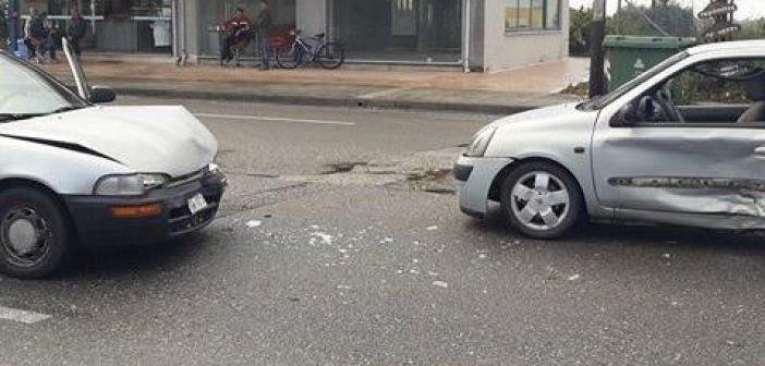 Πρέβεζα: Πριν λίγο, σφοδρή σύγκρουση οχημάτων