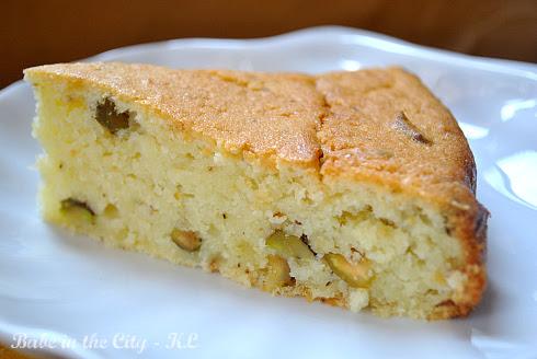 Moist Light Vanilla Cake Recipe