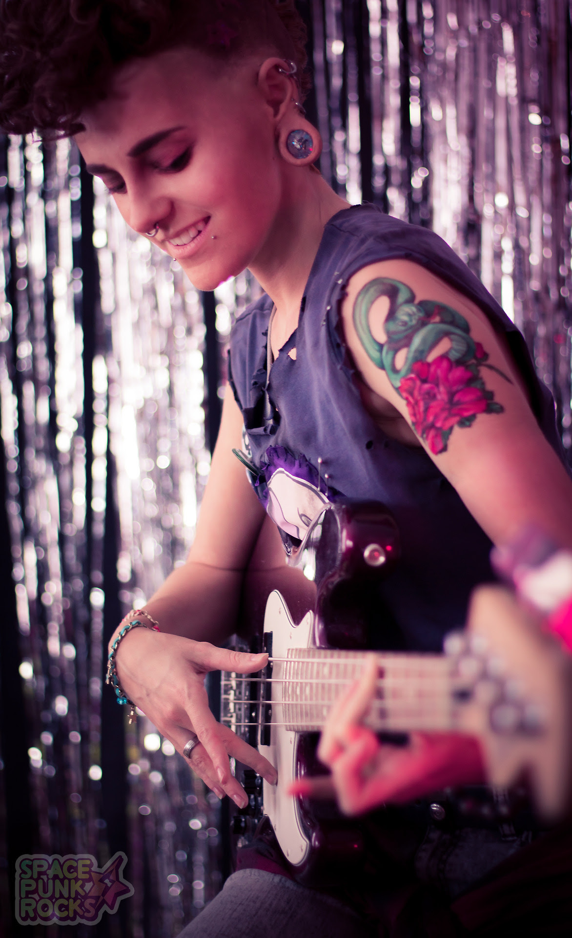 New pics of Lars & Padparadscha online on the Space Punk Rocks Facebook!