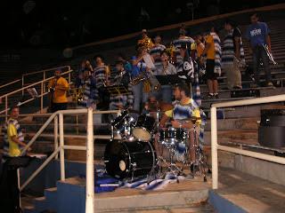 Tifosi di UCSB all'Harder Stadium