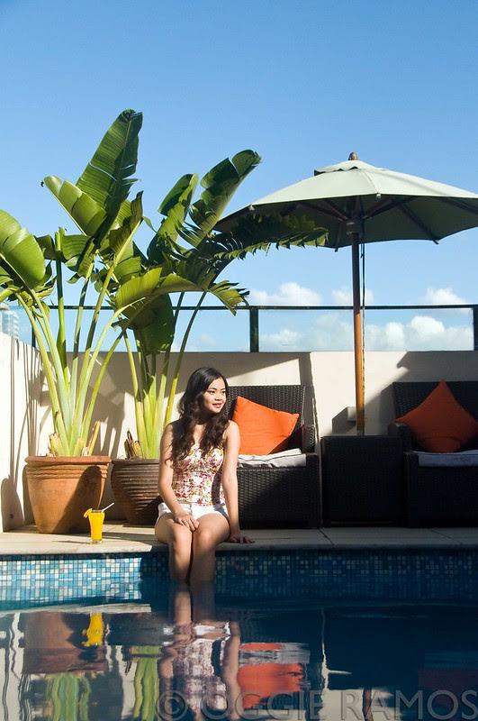 Cocoon Poolside Beauty