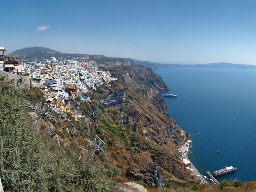 Most Romantic Destinations For Your Honeymoon: Santorini