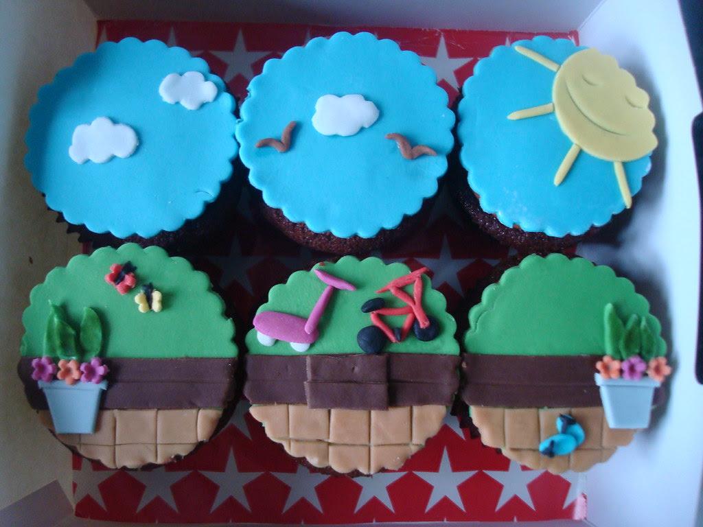 Garden scene cupcakes