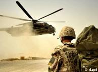 در حال حاضر حدود 500 هزار نیروی نظامی خارجی و داخلی در افغانستان حضور دارند.