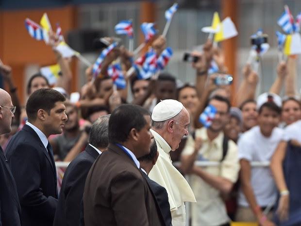 Papa chega a Cuba neste sábado (19) (Foto: Filippo Monteforte / AFP)