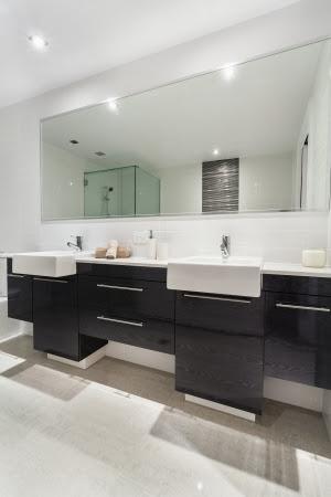 Modern Twin Bathroom In Stylish Australian Appartment Stock Photo ...