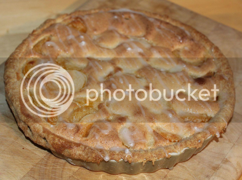 baked apricot frangipane