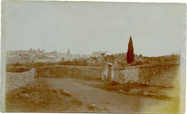 Camino de los Cigarrales a comienzos del siglo XX. Fotografía de Pedro Román Martínez. Centro de Estudios Juan de Mariana. Diputación de Toledo