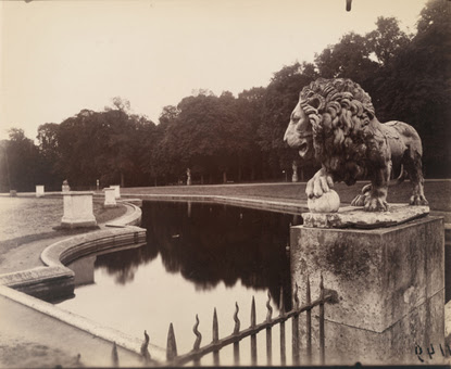 By Eugene Atget, St. Cloud, 1922