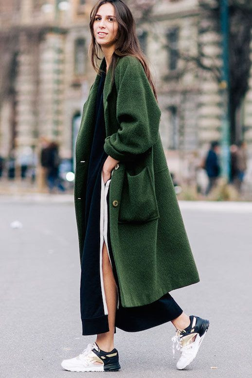Le Fashion Blog Ways To Wear Green Jacket Fall Winter Street Style Oversized Wool Blend Coat Sneakers Long Hair Elisabetta Di Maso Via Shot By Gio