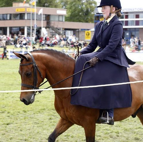 Side-saddle