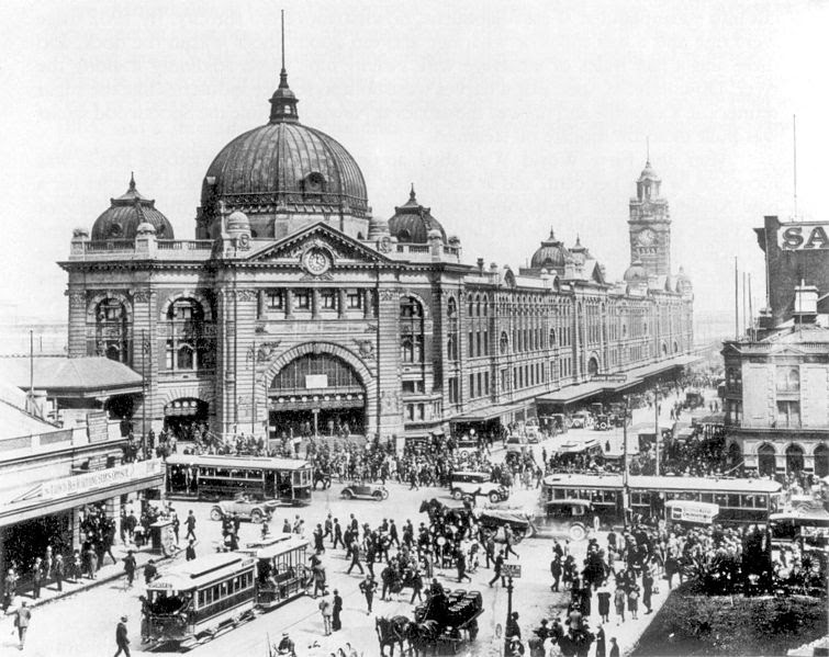 File:Swanston and Flinders St intersection 1927.jpg