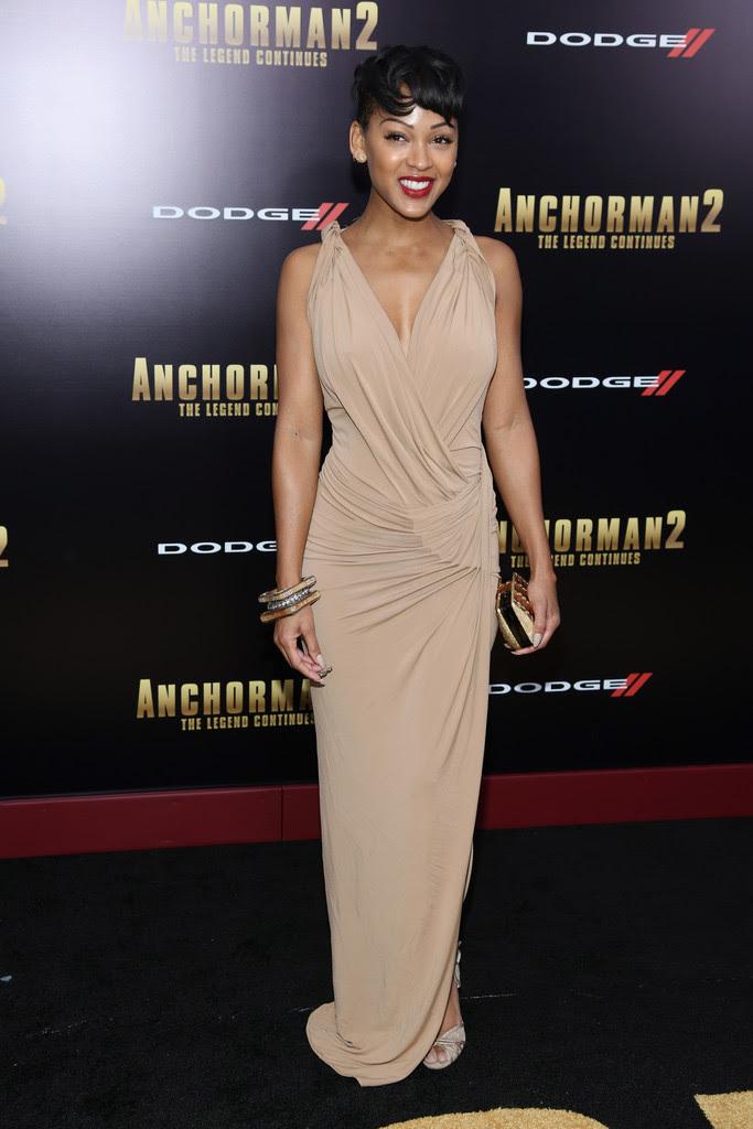 meagan-good-anchorman-2-new-york-premiere-donna-karan-dress-jimmy-choo-clutch-fitch-sandals-1