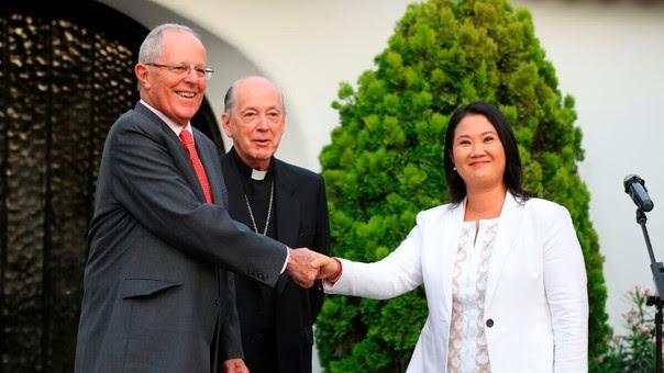 Kuczynski y Keiko Fujimori durante su primera reunión en la casa del cardenal Cipriani. Desde entonces, el Gobierno perdió a dos ministros (Vizcarra de Transportes y Thorne de Economía) por presión del Congreso, dominado por el fujimorismo.