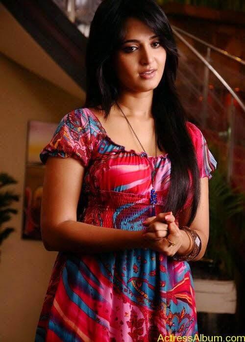 Anushka In Ragada (2)