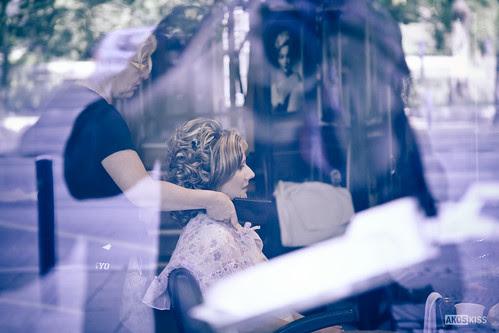 A nagy nap - készítik a menyasszony frizuráját by Akos Kiss