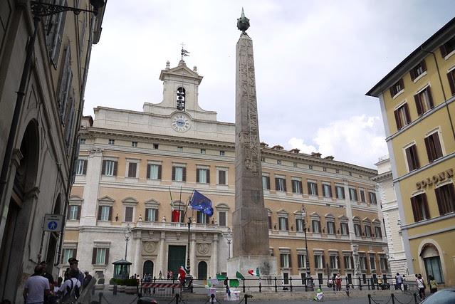 Palazzo Montecitorio 蒙特奇特利歐宮