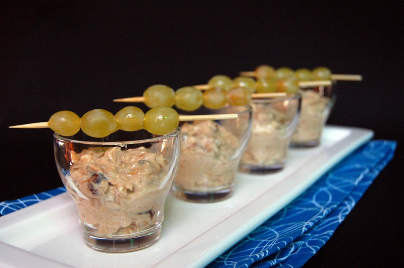 Mini Bircher Muesli with Grape Skewers© by haalo