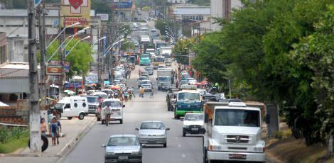 Bandidos foram abordados em Abreu e Lima e levados até Condado / Foto: Rodrigo Lôbo/JC Imagem