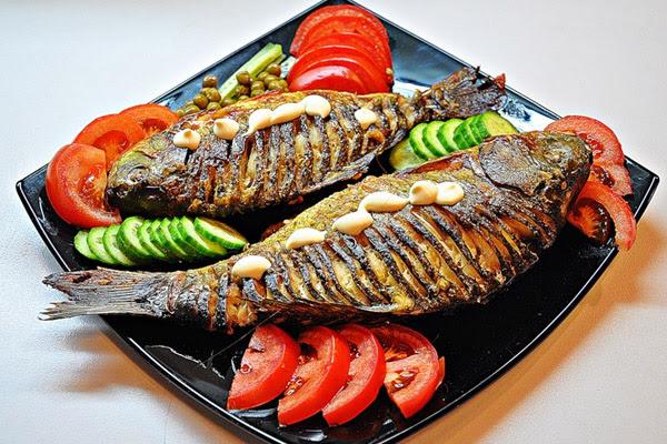 Запеченная рыба, рецепты запеченная рыба, приготовление запеченной рыбы, рыба в фольге, рыба запеченная в фольге, рыба запеченная в духовке, карп запеченный, рыба запеченная в горшочке, рыба запеченная с картофелем, рыба запеченная с овощами