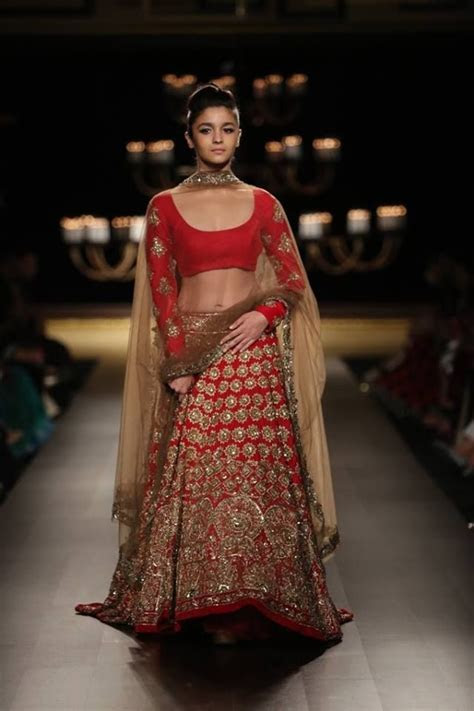 India Couture Week 2014   Top Picks for Bridal Wear
