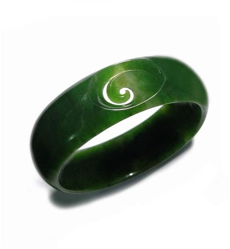 pounamu greenstone ring   greenstone   new zealand