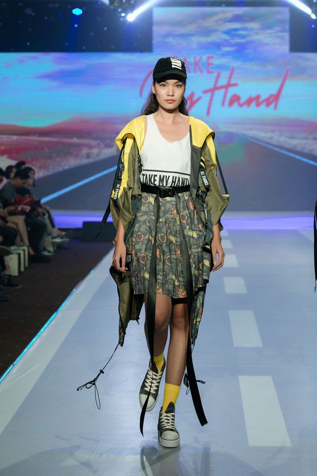 thanh hang hoi ngo hoc tro the face tren san catwalk hinh anh 7