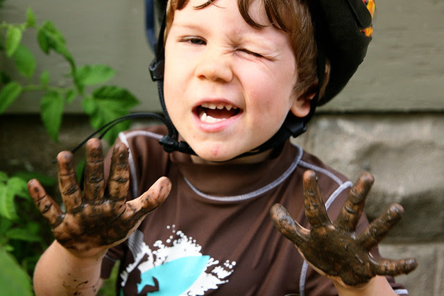 goofyoliver-muddy hands