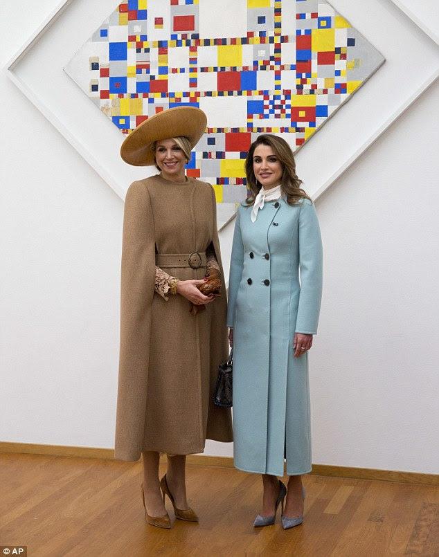 No começo do dia, o casal teve uma turnê do Gemeentemuseum em Haia