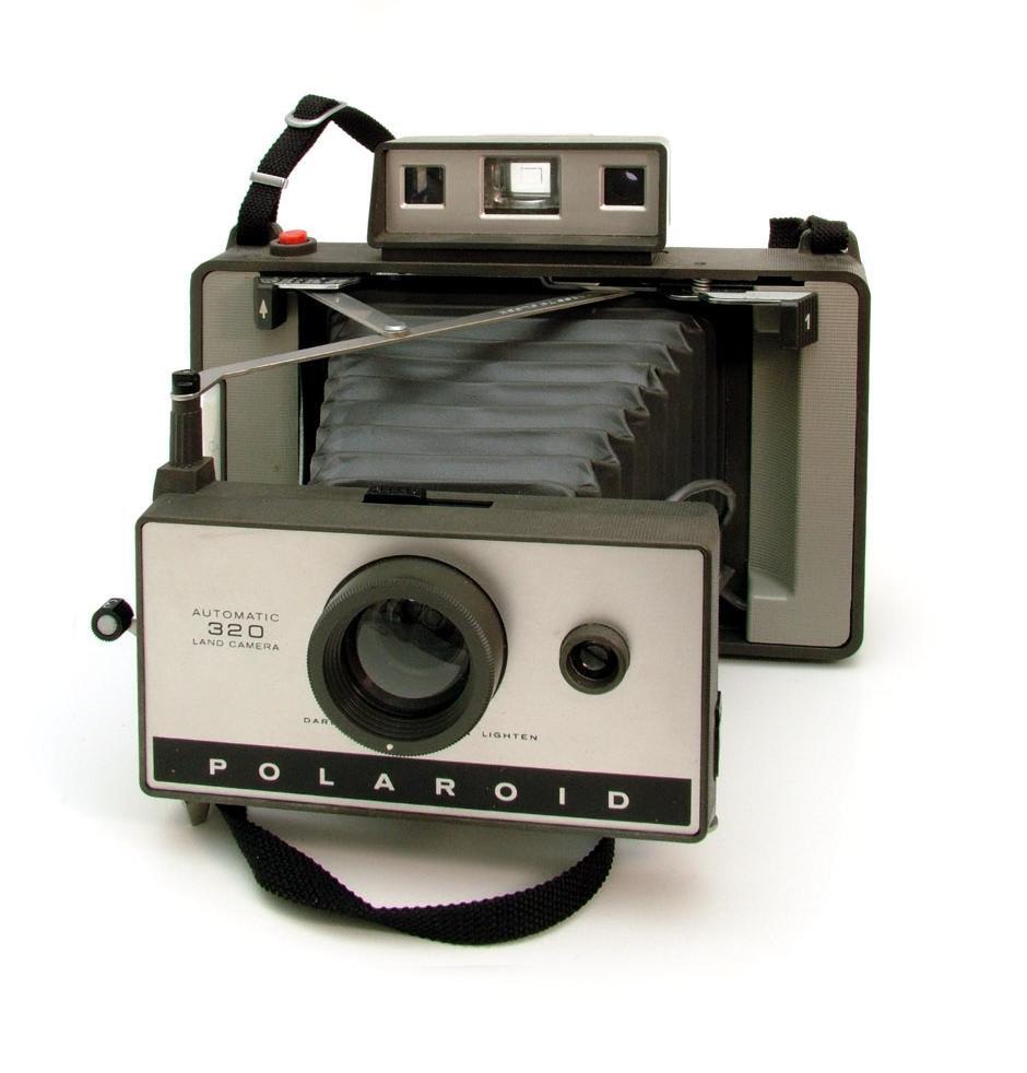 File:Polaroid Land Camera 320.jpg