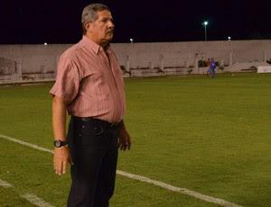 Pedrinho Albuquerque, técnico do Sousa (Foto: Hévilla Wanderley / GloboEsporte.com)
