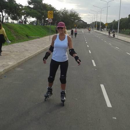 Andar de patins foi uma das formas que Karine encontrou para se exercitar
