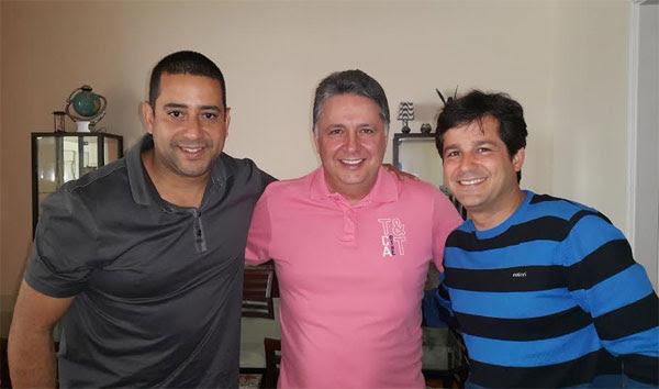 Garotinho com os vereadores de Duque de Caxias, Dr. Maurício (esquerda) e Serginho