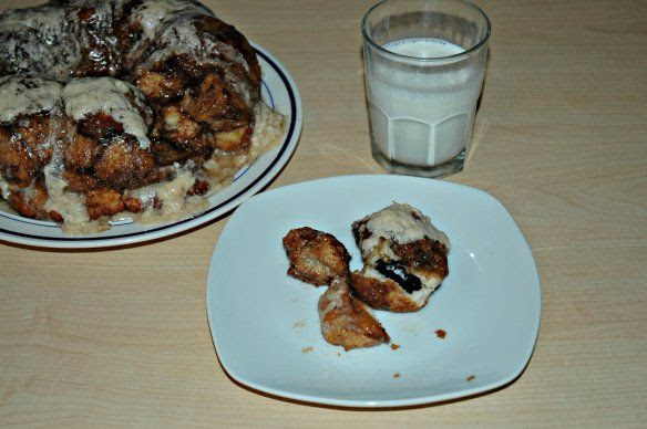 Oreo Stuffed Monkey Bread