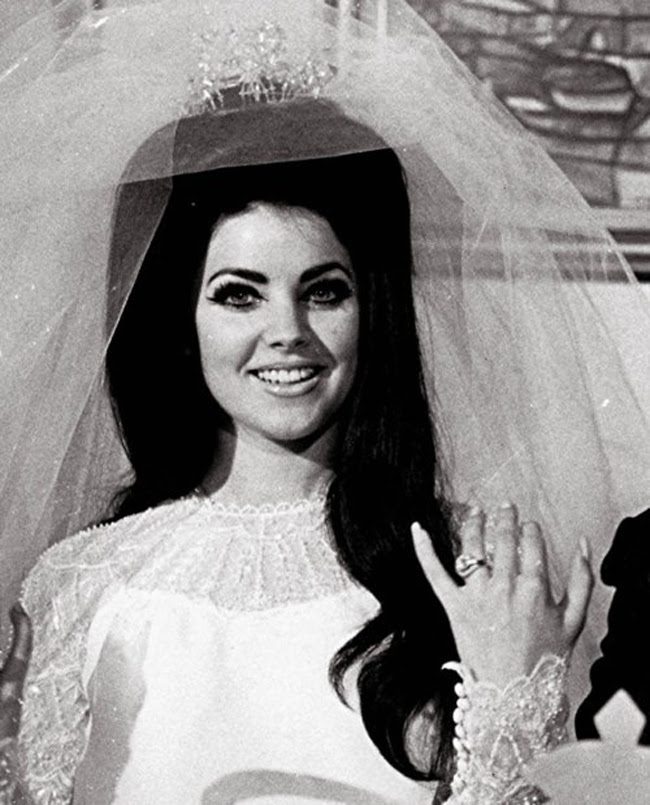 http://www.laceeswan.com/wp-content/uploads/2012/12/PriscillaPresley15.jpg