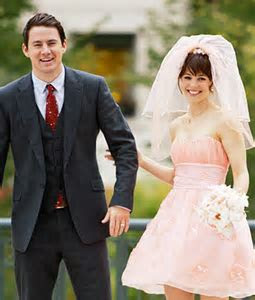 Rachel McAdams?s Wedding Dress in The Vow: Short and Pink