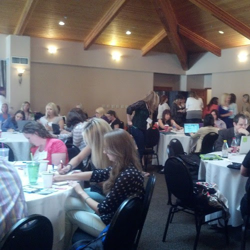Bloggy Boot Camp Phoenix Busy, busy women ready for the day!  #bbcphx