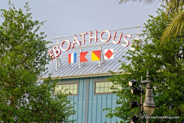 The Boathouse Sign
