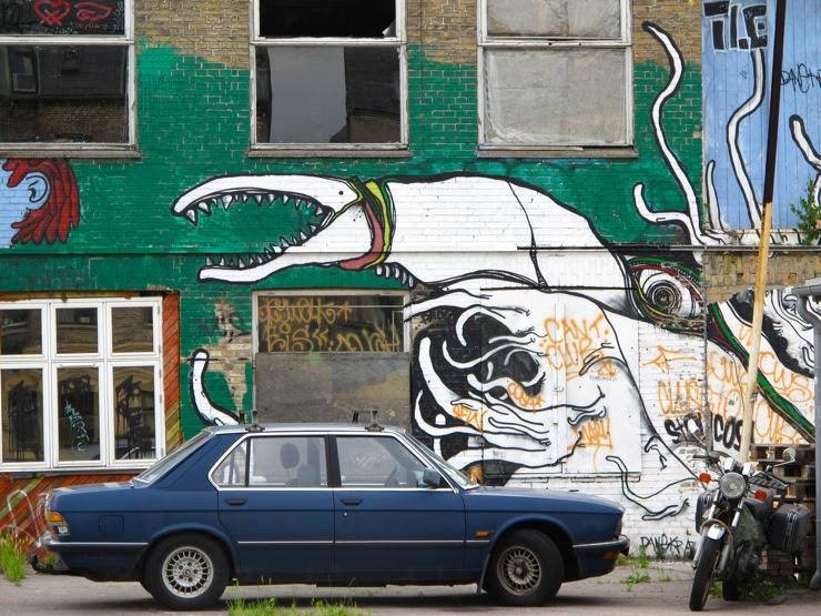 Giant octopus vs. car