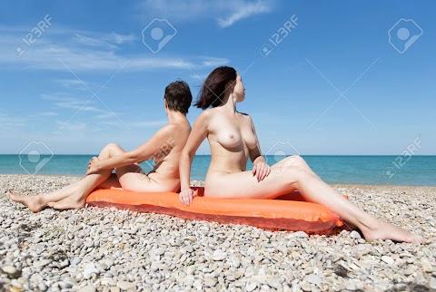 Naked Women Sunbathing - Hot 12 Pics   Beautiful, Sexiest