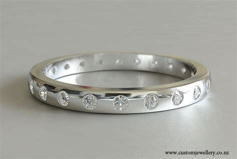Diamond Wedding Band with Punch Set Round Brilliant