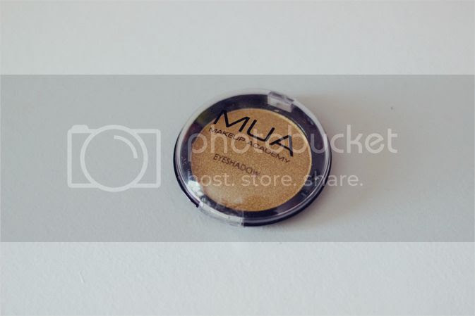 mua gold pearl eyeshadow