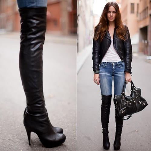 Все еще не уверены, что за сапоги могут быть успешными, как легко и без усилий дневной посмотреть?  Blogger Кэролайн может изменить свое мнение.  Она работает сапоги поверх купание джинсы выглядят в простейших способов, сопряжение их с белыми бак и черную куртку байкера кожи.