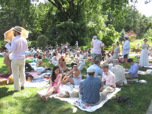 Hillwood-Picnicking