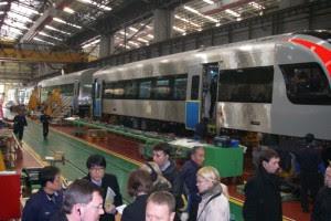 Украинские машинисты начнут водить поезда Hyundai еще в Корее