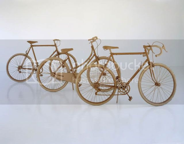 http://i1127.photobucket.com/albums/l624/jexgill/astonishing_cardboard_sculptures_64.jpg